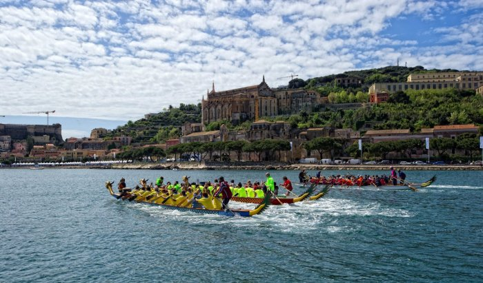 public/files/fotodelgiorno/ymf2013_dragon_boat.jpg